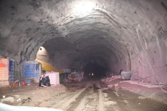 İç Anadoluyu Akdenize bağlayacak Demirkapı Tüneli, 2021de hizmete girecek
