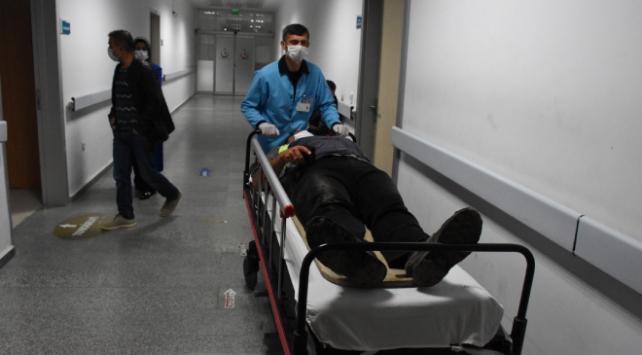 Aksarayda işçi servisi devrildi: 13 yaralı