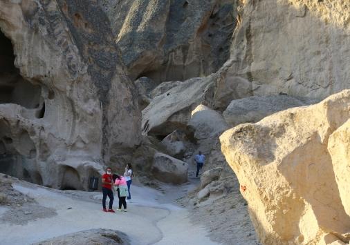 Ihlaranın giriş kapısı Selime, tarihi ve doğallığıyla büyülüyor