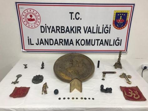 Diyarbakırda tarihi eser kaçakçısı 3 kişi suçüstü yakalandı
