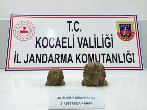 Kocaelide antik Mısır dönemine ait tarihi eseri satmaya çalışan 2 kişi yakalandı
