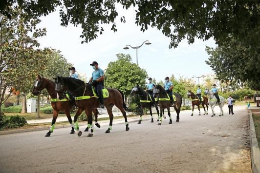Adanada atlı polis birliği göreve başladı