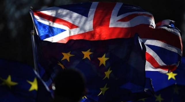 İngiltere ile AB arasında Brexit restleşmesi artıyor