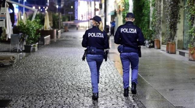 İtalyada sokağa çıkma yasağı olaylı başladı