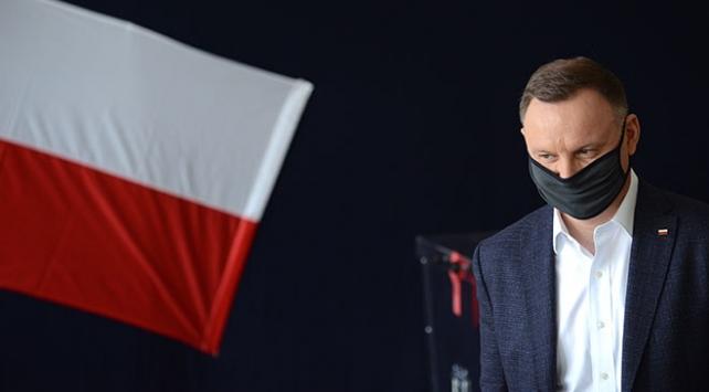 Polonya Cumhurbaşkanı Dudanın testi pozitif çıktı