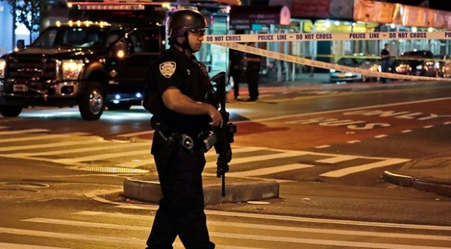 ABDde bir siyahiyi öldüren, diğerini de yaralayan polis kovuldu