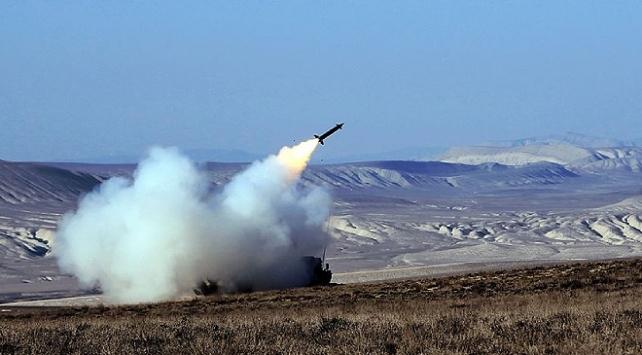 Azerbaycan Savunma Bakanlığı: Gubatlıda bir savaş uçağı imha edildi