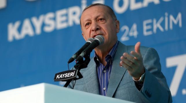 Erdoğandan Macrona İslam tepkisi: Tedaviye ihtiyacı var