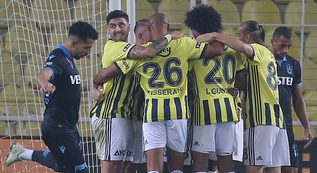 Fenerbahçe Trabzonsporu 3 golle geçti