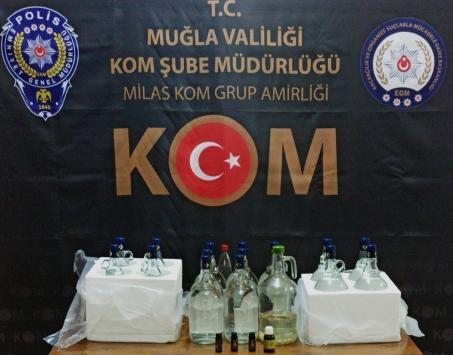 Muğlada sahte içki ve kaçakçılık operasyonunda yakalanan 13 zanlı tutuklandı