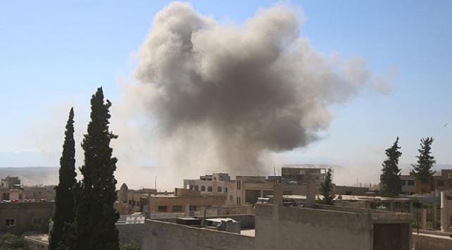 Rus uçakları İdlibde muhaliflerin eğitim kampını vurdu