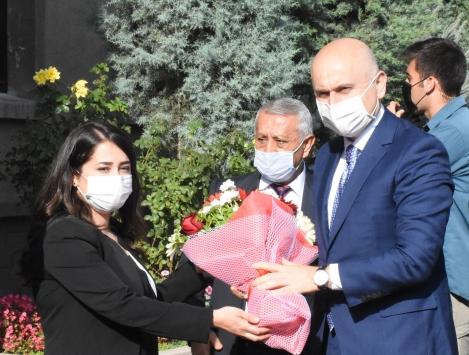 Ulaştırma ve Altyapı Bakanı Karaismailoğlu, Afyonkarahisarda ziyaretlerde bulundu