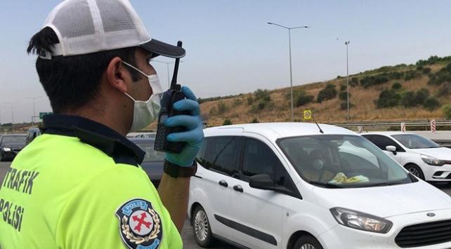 İstanbulda 102 araç trafikten men edildi