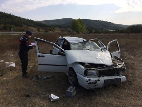 Karabükte devrilen otomobildeki 4 kişi yaralandı