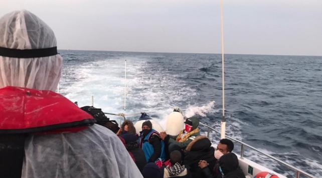 Çanakkale açıklarında 34 sığınmacı kurtarıldı