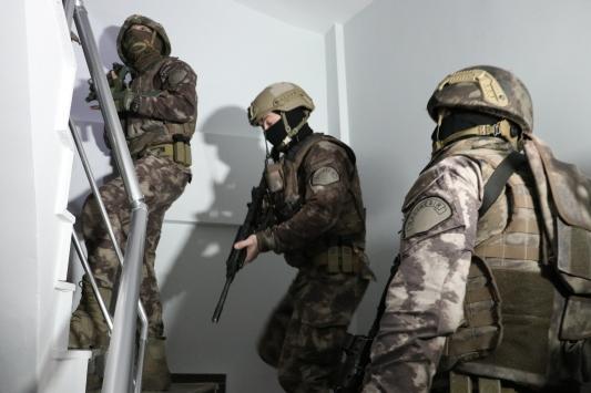 Balıkesirde FETÖnün hücre evlerine yönelik operasyon: 5 gözaltı