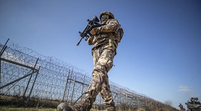 Yunanistan sınırında 13 FETÖ şüphelisi ve 1 PKKlı terörist yakalandı