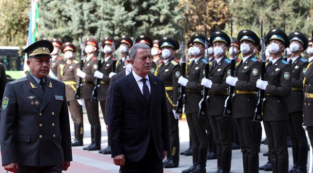 Milli Savunma Bakanı Hulusi Akar Özbekistanda