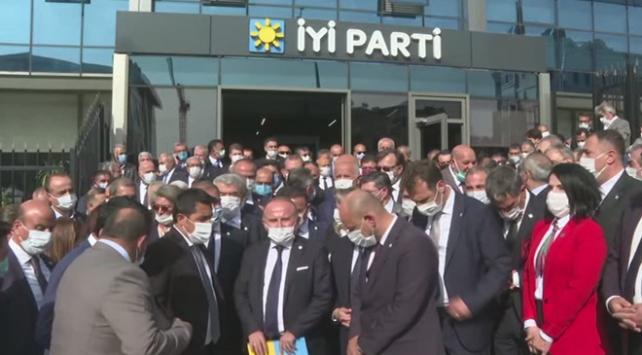 İyi Partide il başkanları Ümit Özdağın ihracı için dilekçe verdi