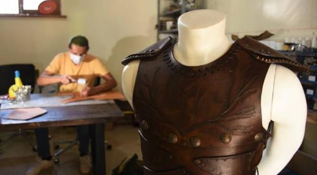 Uyanış: Büyük Selçuklu dizisine deri kostüm ve aksesuar üretiyorlar