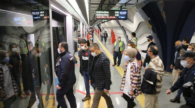 Mecidiyeköy-Mahmutbey Metrosu seferlerine başladı