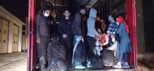 Tırın dorsesinde 210 kaçak göçmen yakalandı