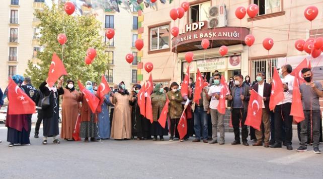 Diyarbakır anneleri Cumhuriyet Bayramını kutladı