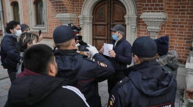 Rusyada Müslümanlar Macronu protesto etti