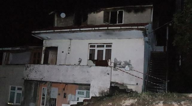 Zonguldakta çatı yangını: 1 ölü, 4 yaralı