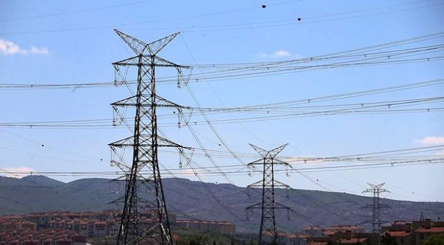 Türkiyenin enerji ithalatı faturası azaldı