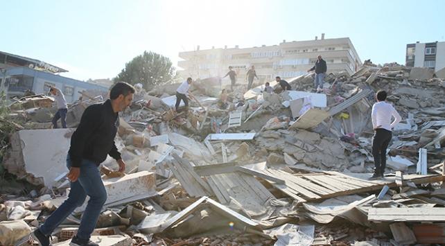 AFAD: Depremden etkilenen illerde TSK havadan tarama yapıyor