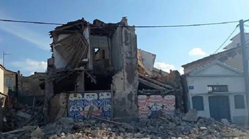Ege Denizi'ndeki deprem Sisam Adası'nda hasara yol açtı