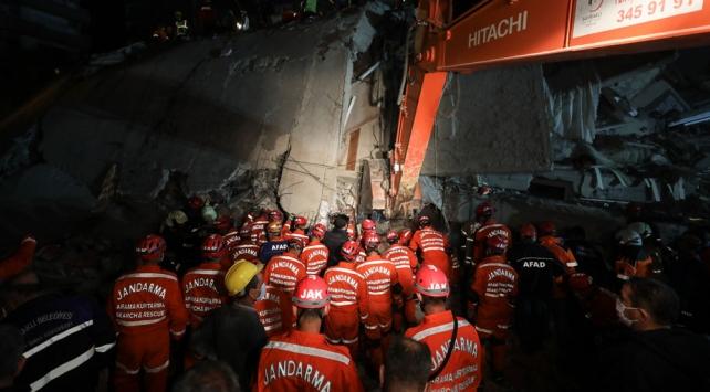 Devletin tüm kurumları deprem bölgesinde