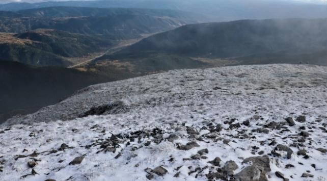 Ilgaz Dağına mevsimin ilk karı yağdı