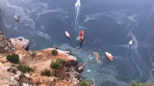 Alanya'da tur teknesi battı