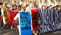 Roma'da Öğrenciler Sokağa Döküldü