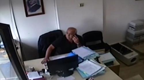 Avukatın deprem anındaki soğukkanlılığı kamerada