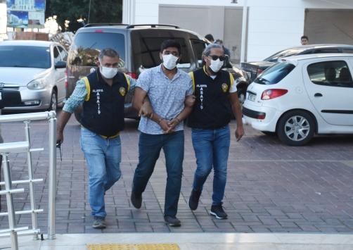 Antalyada 2 kişinin yaralandığı silahlı saldırının şüphelisi tutuklandı