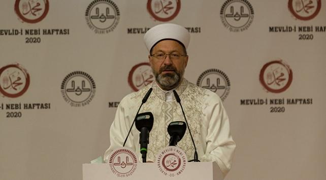 Erbaş: Camilerimiz ve Müslüman kardeşlerimiz hedef haline getiriliyor