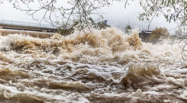 Meksikada binlerce ev şiddetli yağışlarda zarar gördü