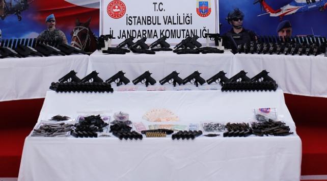 İstanbulda kaçak silah atölyesine baskın