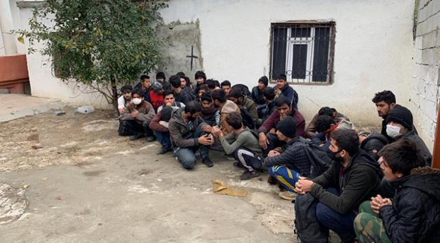 Yurda yasa dışı yollarla giren 37 yabancı uyruklu yakalandı
