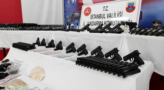 İstanbulda silah kaçakçılığı operasyonu: 5 şüpheli tutuklandı