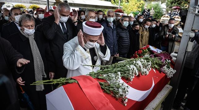 Timur Selçuk İstanbulda son yolculuğuna uğurlandı