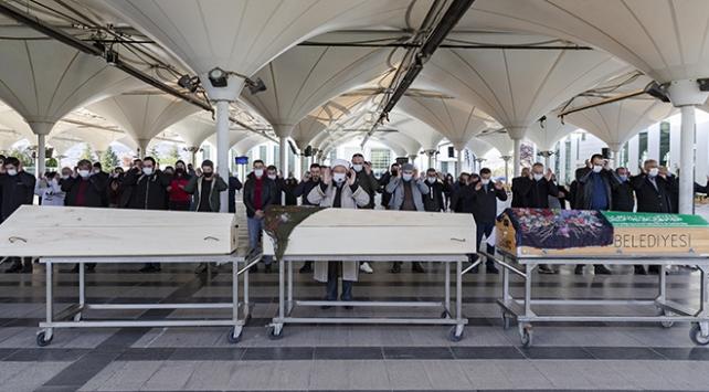 Ankarada öldürülen anne ve iki çocuğu toprağa verildi