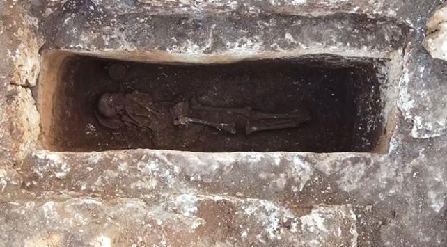 Perre Antik Kentindeki kazılarda bozulmamış 1500 yıllık iskelet bulundu
