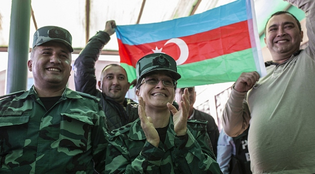 Şuşanın Ermeni işgalinden kurtarılması cephe hattında sevinçle karşılandı