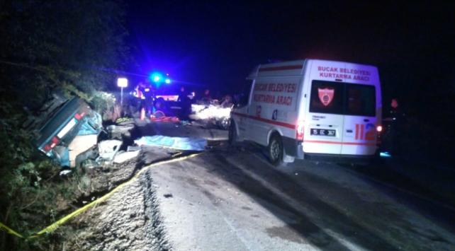 Burdurda iki otomobil çarpıştı: 3 ölü, 2 yaralı