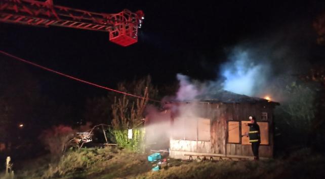 Sinopta çıkan yangında bir ev kullanılamaz hale geldi