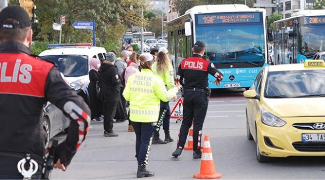 İstanbulda toplu taşıma araçlarında koronavirüs denetimi yapıldı